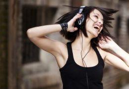 Fones de Ouvido podem prejudicar a saúde. Veja como se precaver!