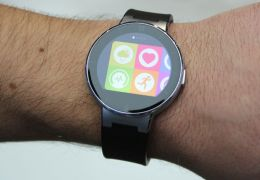 Alcatel lança One Touch Watch