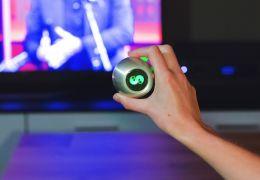 Controle universal touchscreen é lançado no mercado