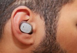 Motorola lança o fone Moto Hint