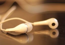 Microsoft registra patente de fones de ouvidos sem fio com novos recursos