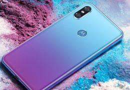 Motorola anuncia smartphone P30